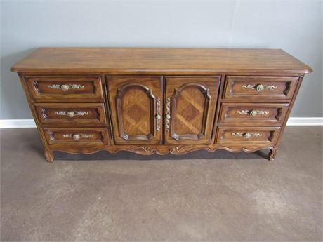 Drexel 9 Drawer Dresser
