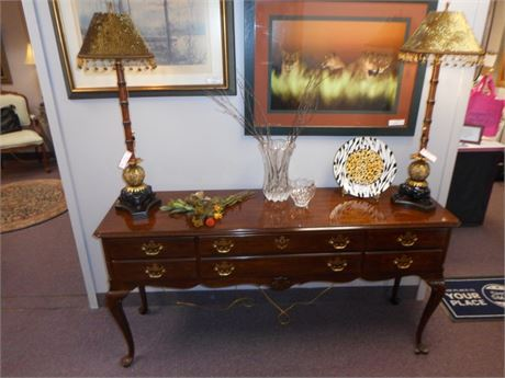 GREAT LOOKING DREXEL SIDEBOARD/BUFFET