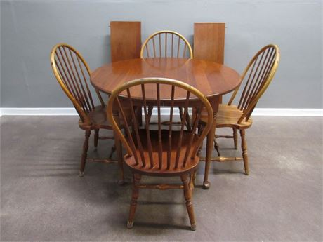 Tom Seely Furniture Reproduction Cherry Table with 2 Leaves and 4 Windsor Chairs