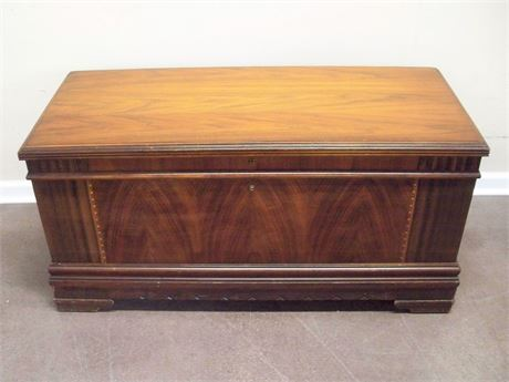 VINTAGE ED ROOS 2 IN 1 CEDAR CHEST