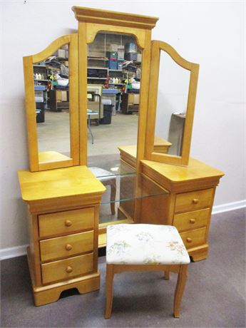 SWEET STANLEY VANITY WITH MIRROR AND STOOL